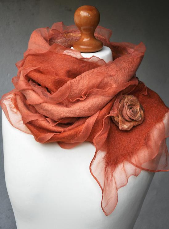 Валяние палантина и шарфа