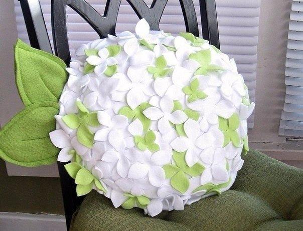 Как сделать цветы на подушке