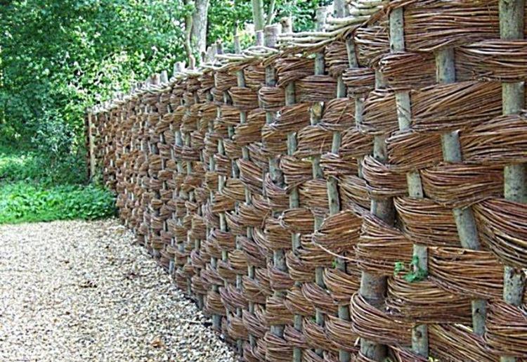 Фото как сделать плетеный забор